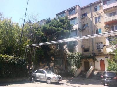 Bakı şəhəri, Yasamal rayonunda, 3 otaqlı köhnə tikili satılır (Elan: 106812)