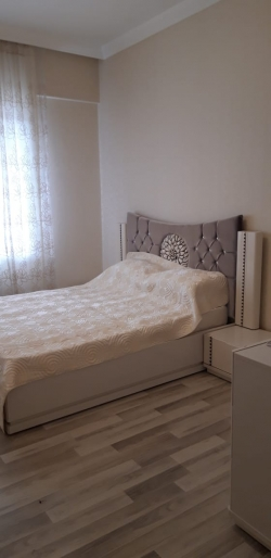 Bakı şəhəri, Nəsimi rayonunda, 3 otaqlı yeni tikili kirayə verilir (Elan: 173385)